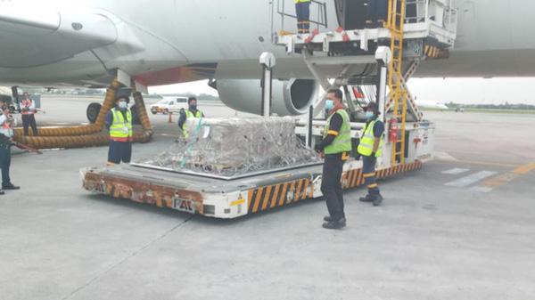Xót xa chuyến bay cuối cùng của Á hậu Philippines: Lạnh lẽo hành trình về quê nhà - Ảnh 4