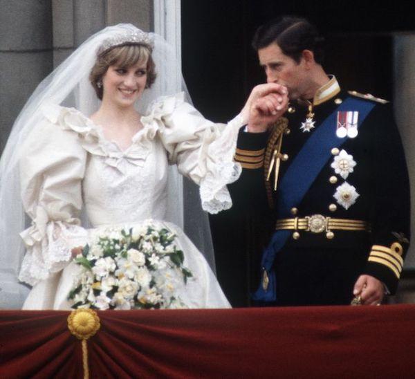 """Đằng sau cuộc hôn nhân đổ vỡ giữa Công nương Diana và Thái tử Charles: """"Đừng nói rằng họ chưa từng yêu nhau"""" - Ảnh 1"""