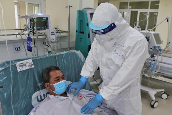 Hơn 80% bệnh nhân COVID-19 tại VIệt Nam có khả năng tự hồi phục sau 1 tuần - Ảnh 1