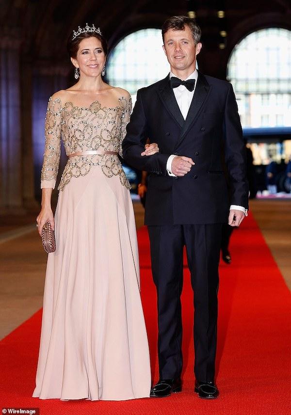 """""""Sóng gió"""" bên trong nội bộ Hoàng gia Đan Mạch: Thái tử phi """"dằn mặt"""" em dâu không kiêng nể - Ảnh 2"""