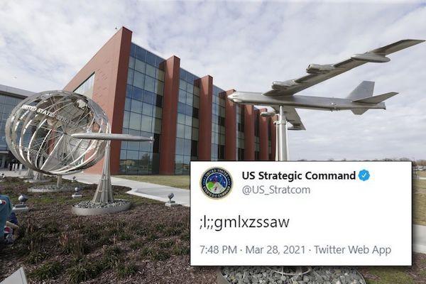 Quân đội Mỹ gây tranh cãi với bài đăng ký tự lạ trên Twitter - Ảnh 1