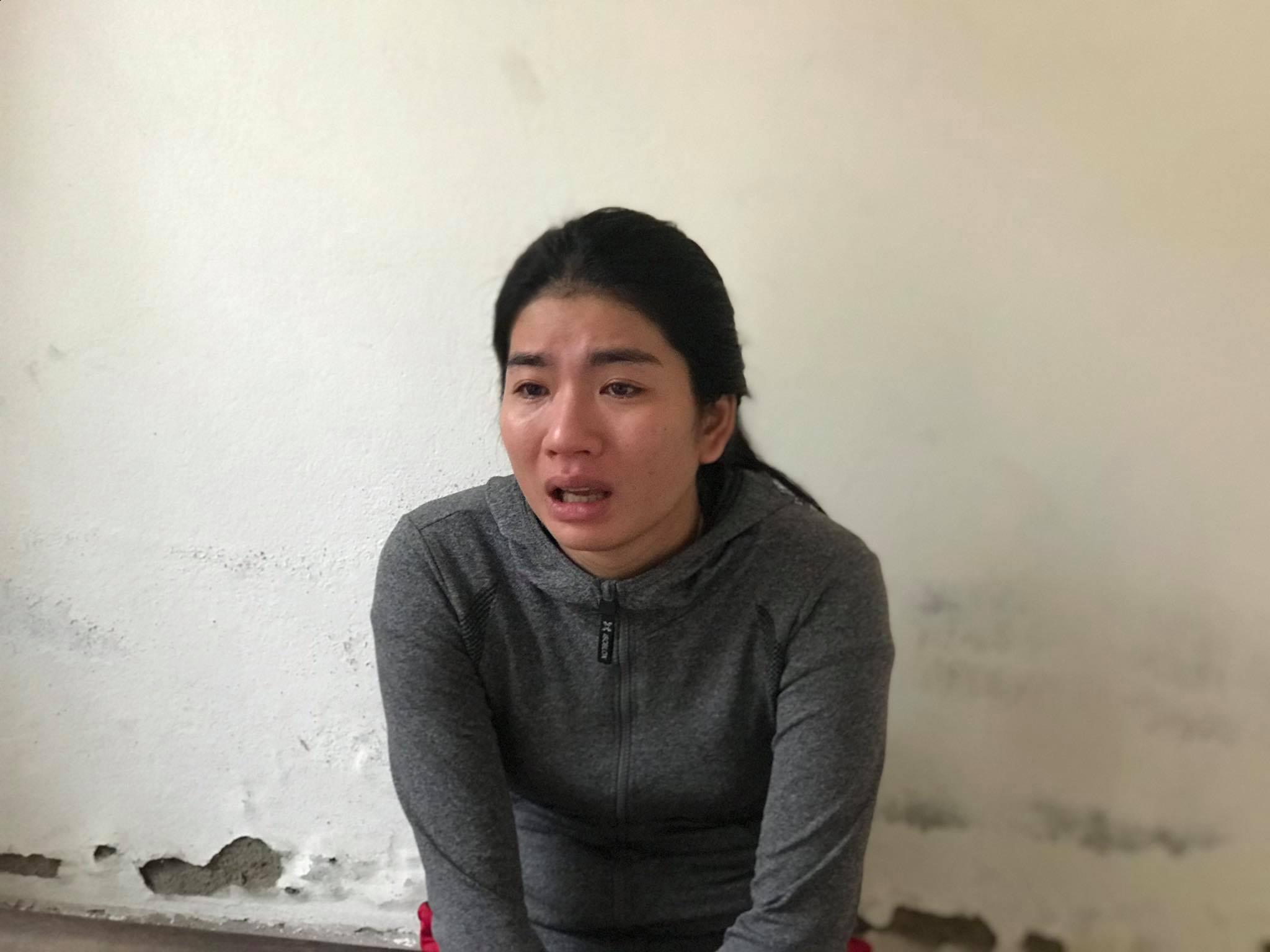 Nghẹn đắng tiếng khóc thét của đứa trẻ 2 tuổi khi mẹ tra tay vào còng - Ảnh 2
