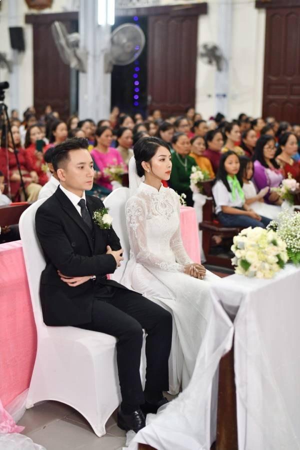 Video quay cận mặt bà xã Phan Mạnh Quỳnh, người hâm mộ không khỏi xuýt xoa nhan sắc đẹp không tì vết - Ảnh 2