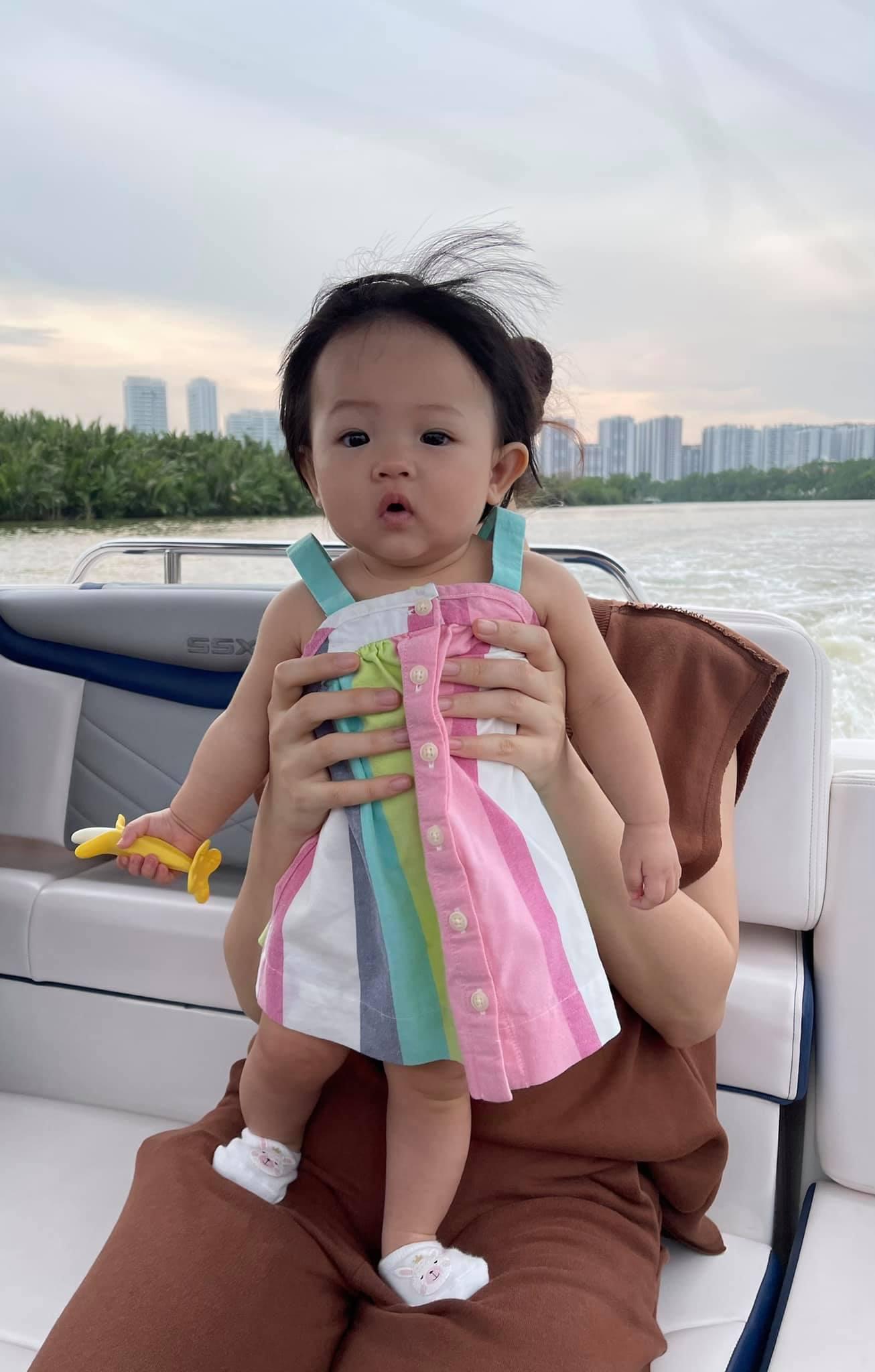 """Cường Đô La khoe ảnh nghỉ lễ sang chảnh của ái nữ, đi chơi bằng du thuyền cực """"chill"""" - Ảnh 4"""