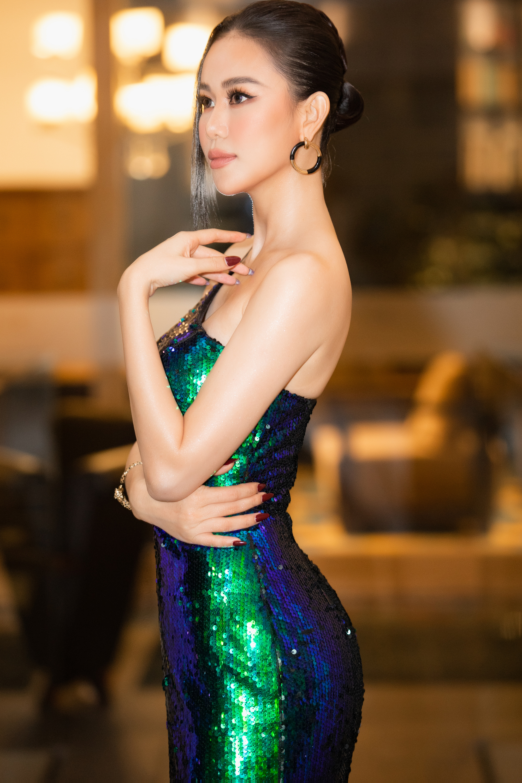 """Cao Thùy Trang đẹp sang chảnh tại Đại Hội Mỹ Nam 8, không ngại chuyện """"đụng hàng"""" Kiều Ngân, Hoài Sa - Ảnh 1"""
