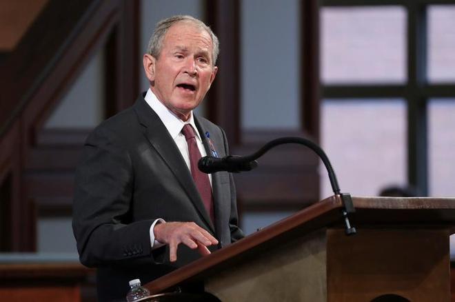 Cựu Tổng thống Bush tiết lộ người ông lựa chọn trong cuộc bầu cử 2020, không phải ông Trump hay ông Biden - Ảnh 1
