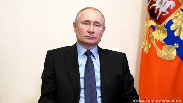 Tổng thống Nga Putin ký đạo luật cho phép bản thân tiếp tục tranh cử  - Ảnh 1