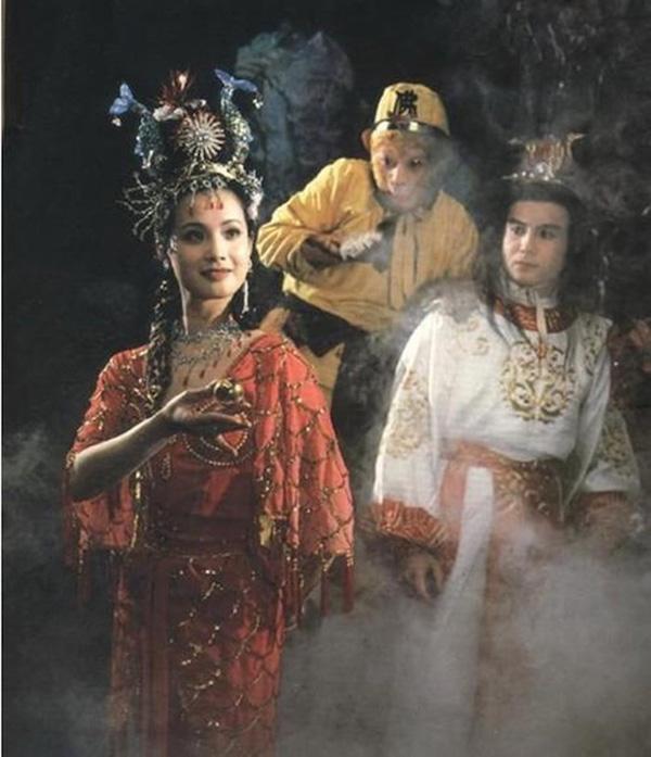 """Tây Du Ký: Nữ yêu xinh đẹp mê hồn nhưng lại """"kém nổi tiếng"""" nhất trong dàn sao năm 1986 - Ảnh 3"""