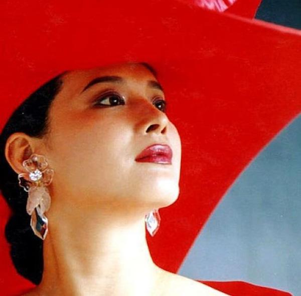"""Tây Du Ký: Nữ yêu xinh đẹp mê hồn nhưng lại """"kém nổi tiếng"""" nhất trong dàn sao năm 1986 - Ảnh 4"""