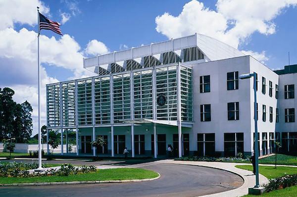 Phát hiện thi thể quan chức sứ quán Mỹ treo cổ trong phòng khách sạn ở Kenya - Ảnh 1