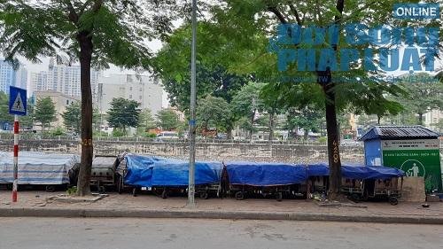 Hà Nội ùn ứ rác thải: Chất cao hơn nóc xe taxi, mùi hôi tanh khiến người sống gần khổ sở - Ảnh 2