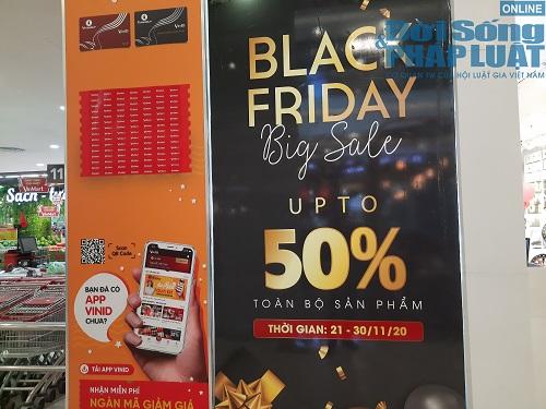 Ngày Black Friday ở Hà Nội: Trầm lắng dù nhiều hàng hiệu giảm giá sâu - Ảnh 1