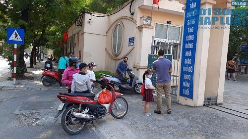 Cận cảnh buổi tựu trường đầu tiên của 207 học sinh ở ngôi trường đặc biệt nhất Thủ đô Hà Nội - Ảnh 2
