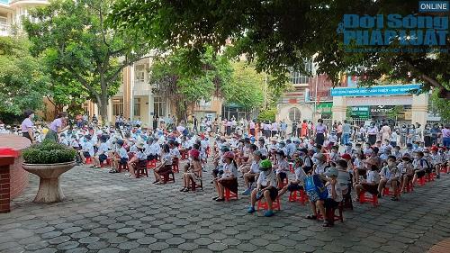 Cận cảnh buổi tựu trường đầu tiên của 207 học sinh ở ngôi trường đặc biệt nhất Thủ đô Hà Nội - Ảnh 6