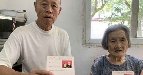 """Cụ ông chưa từng có """"mảnh tình vắt vai"""" kết hôn với cụ bà 96 tuổi khi gặp nhau trong viện dưỡng lão, bất chấp cách biệt 23 tuổi  - Ảnh 1"""