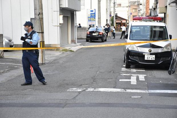 Mẹ ở Nhật bỏ 2 con trên ôtô đến chết vì mải đi bar - Ảnh 1
