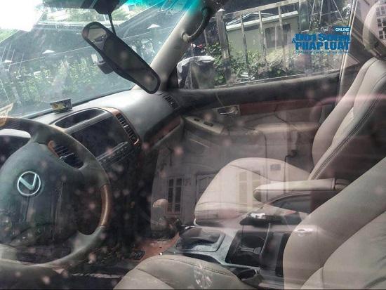 """Hà Nội: Xót xa nhìn Bentley, BMW tiền tỷ bị chủ nhân """"bỏ quên"""", chịu cảnh dầm mưa, dãi nắng - Ảnh 18"""