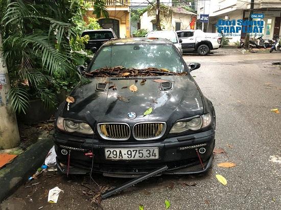 """Hà Nội: Xót xa nhìn Bentley, BMW tiền tỷ bị chủ nhân """"bỏ quên"""", chịu cảnh dầm mưa, dãi nắng - Ảnh 19"""