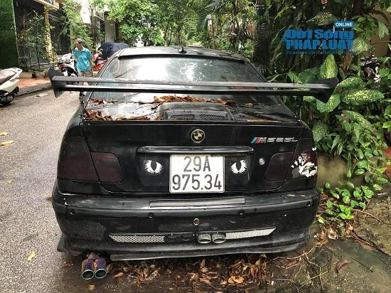 """Hà Nội: Xót xa nhìn Bentley, BMW tiền tỷ bị chủ nhân """"bỏ quên"""", chịu cảnh dầm mưa, dãi nắng - Ảnh 20"""
