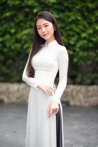 Nhan sắc rực rỡ, ngọt ngào của các thí sinh lọt vòng bán kết Hoa hậu Việt Nam 2020 - Ảnh 7
