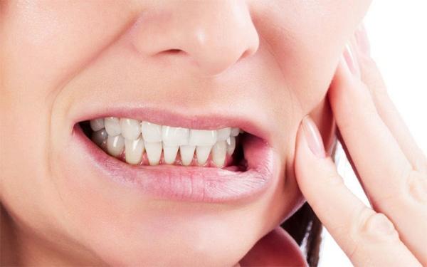 Những biện pháp đơn giản mà hiệu quả để hạn chế nghiến răng kèn kẹt khi ngủ - Ảnh 2