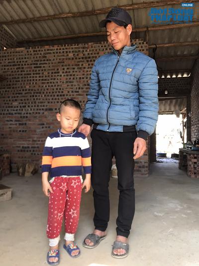 Cái Tết không trọn vẹn của cậu bé 4 tuổi tại làng HIV - Ảnh 1