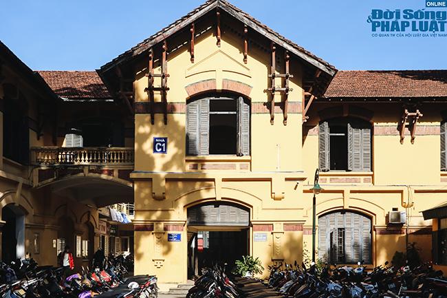 Trường đại học gần 100 năm tuổi cổ kính ở Hà Nội - Ảnh 6
