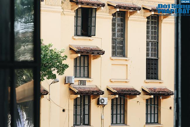 Trường đại học gần 100 năm tuổi cổ kính ở Hà Nội - Ảnh 2