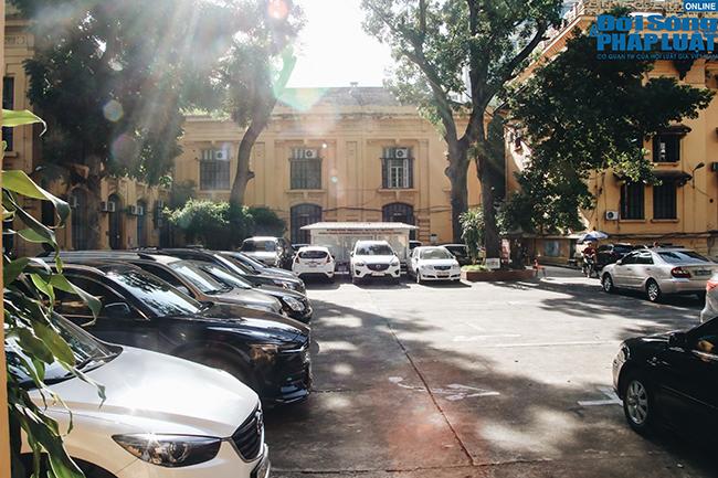 Trường đại học gần 100 năm tuổi cổ kính ở Hà Nội - Ảnh 4