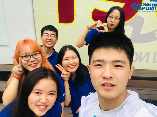 Nam sinh Triều Tiên nói tiếng Việt trôi chảy, tự tin mặc cả khi đi chợ ở Hà Nội - Ảnh 3