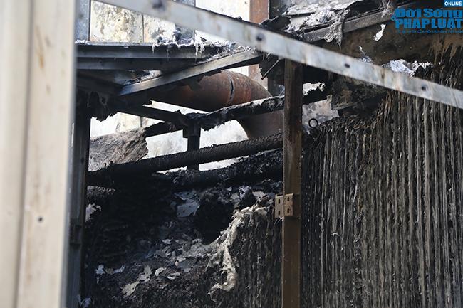 Hà Nội: Hiện trường vụ cháy hệ thống điều hòa, hàng trăm cư dân hoảng loạn bỏ chạy - Ảnh 6