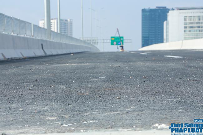 Cận cảnh cầu cạn 5.300 tỷ đồng ở Hà Nội, có làn thiết kế tốc độ lên đến 100km/h trước ngày thông xe - Ảnh 4