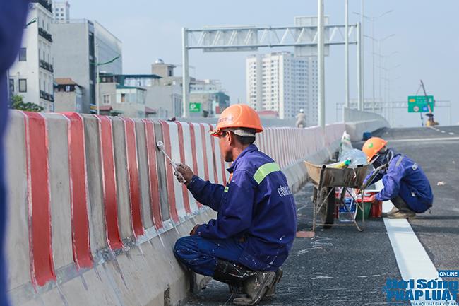 Cận cảnh cầu cạn 5.300 tỷ đồng ở Hà Nội, có làn thiết kế tốc độ lên đến 100km/h trước ngày thông xe - Ảnh 5