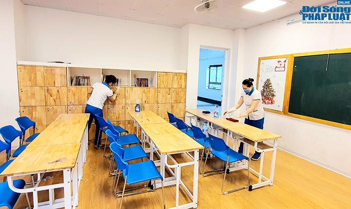 Trường học Hà Nội gấp rút dọn dẹp, chuẩn bị đón học sinh trở lại  - Ảnh 8