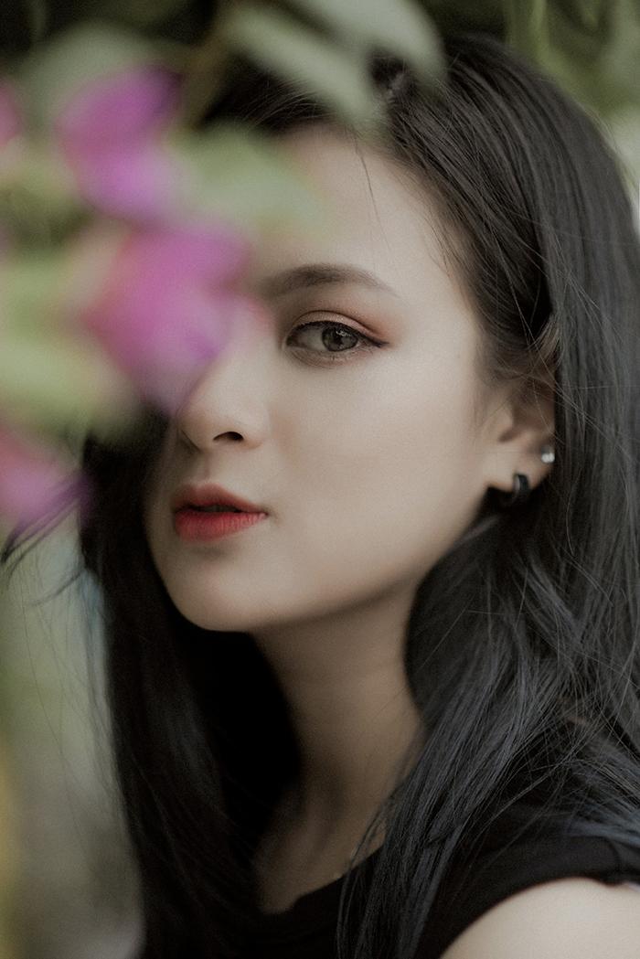 Đại sứ truyền thông khoa Quốc tế ĐH Quốc gia: Xinh như hotgirl, đam mê chơi chứng khoán, hâm mộ Mai Phương Thuý - Ảnh 1