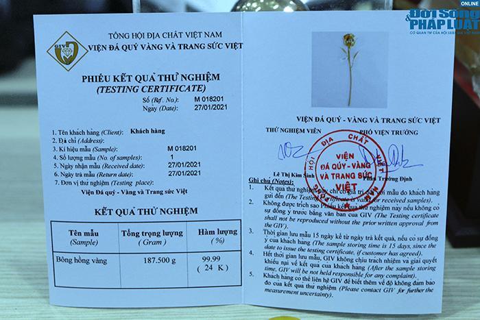 """""""Siêu phẩm"""" hoa hồng vàng 24K giá hơn 300 triệu đồng cho ngày 8/3 đặc biệt thế nào? - Ảnh 8"""
