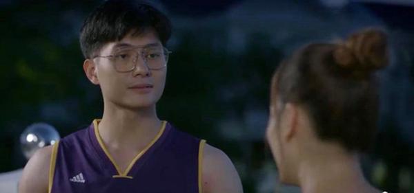 Hóa ra trai trẻ tán tỉnh Lan Phương trong phim Trói buộc yêu thương chẳng phải ai xa lạ - Ảnh 1