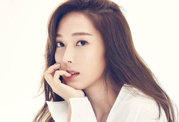 """Tiểu thuyết """"đụng chạm SNSD"""" của Jessica Jung hoãn ngày ra mắt - Ảnh 1"""