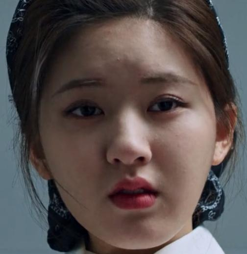 """Triệu Lộ Tư lộ cằm mỡ, mặt lấm tấm mụn gây tranh cãi trong phim """"Yêu Em Từ Dạ Dày"""" - Ảnh 3"""