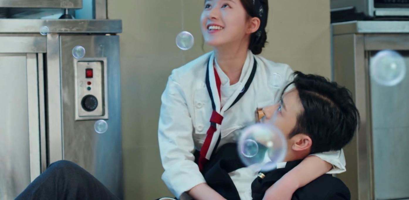 """Triệu Lộ Tư lộ cằm mỡ, mặt lấm tấm mụn gây tranh cãi trong phim """"Yêu Em Từ Dạ Dày"""" - Ảnh 5"""