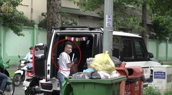 Siêu xe 13 tỷ đại gia Minh nhựa xuống phố nhặt rác có gì đặc biệt? - Ảnh 1