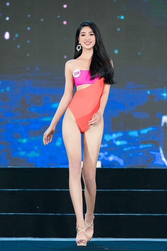 Nữ tiếp viên hàng không xinh đẹp lọt vào chung kết Hoa hậu Việt Nam 2020 - Ảnh 5