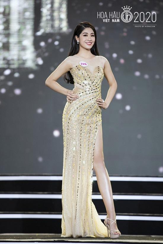 Nữ tiếp viên hàng không xinh đẹp lọt vào chung kết Hoa hậu Việt Nam 2020 - Ảnh 4