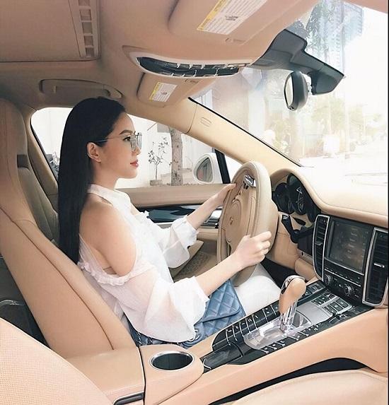 Cận cảnh xế hộp Porsche 8 tỷ được Bảo Thy mạnh tay sắm trước khi lấy chồng đại gia - Ảnh 2