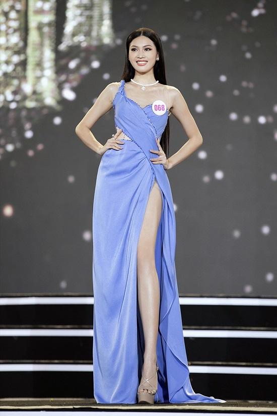"""Hoa hậu Việt Nam 2020: """"Bản sao"""" Tiểu Vy sở hữu đôi chân dài 1m1, xứng đáng là ứng viên """"nặng ký"""" - Ảnh 1"""