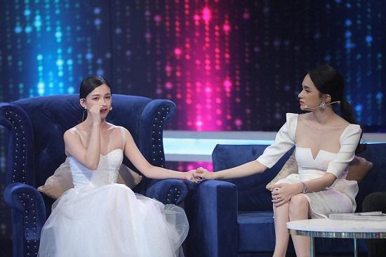 Hương Giang tiếp tục gây tranh cãi: Nói đạo lý khuyên phụ nữ an phận nhưng 6 tháng sau lại dạy đấu tranh - Ảnh 3