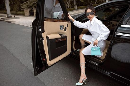 """""""Bạn thân Ngọc Trinh"""" sở hữu xế hộp Rolls Royce 25 tỷ đồng. - Ảnh 4"""