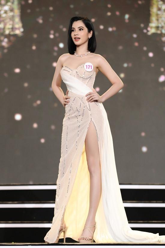Giấu bố mẹ đi thi, người đẹp An Giang sở hữu thân hình gợi cảm bước vào chung kết Hoa hậu Việt Nam 2020 - Ảnh 3