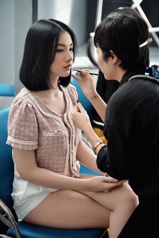 Giấu bố mẹ đi thi, người đẹp An Giang sở hữu thân hình gợi cảm bước vào chung kết Hoa hậu Việt Nam 2020 - Ảnh 4
