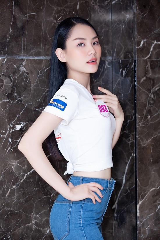 Dàn thí sinh Hoa hậu Việt Nam 2020 đồng loạt khoe chân dài, vén áo đọ eo thon trước thềm chung kết - Ảnh 6